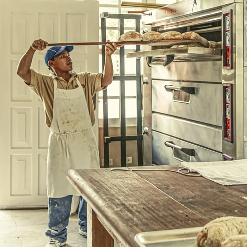 En person som använder professionella bageriprodukter | Panea